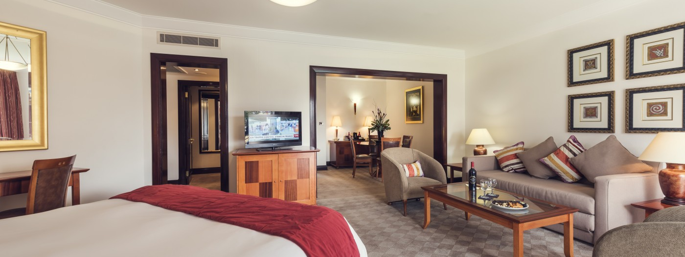 Luxury Hotel Rooms At Carnival City Sun International